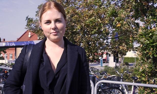 Elin Nilsson, 24 år, bor i lägenhet