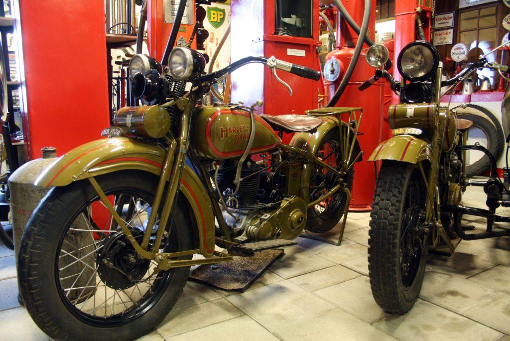 Johannamuseet visar upp ett brett register av den tekniska utvecklingen under 1900-talet. I bild: Harle-Davidsson motorcyklar.