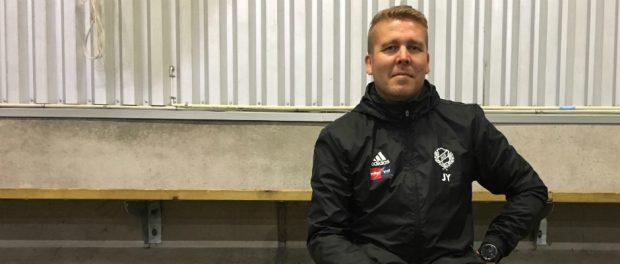 Jesper Ylinen gör sin sista match som coach på lördag. Han hoppas få se sitt lag ta ett historiskt steg upp i division 4.