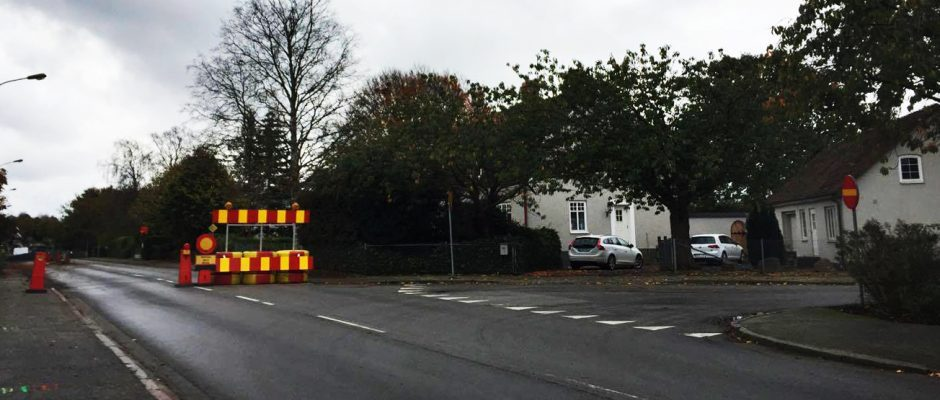 Det sitter ingen orange pil som visar hur trafiken led som vid bommarna på Kyrkogatan.