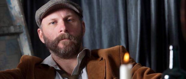 Kalle Lind beskriver sig som en diversearbetare inom kulturbranschen.