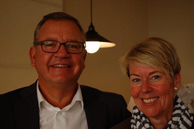 Peter Eyermann och Cäth Green är ansvariga för Smart Little Village.