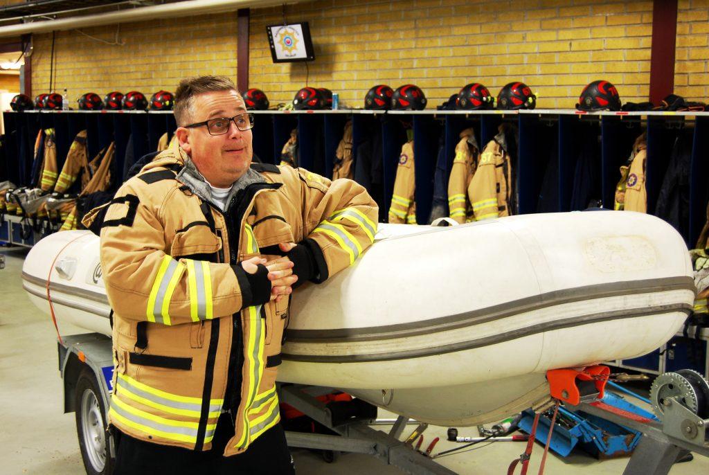För platschef Patrik Axelsson är varje minut helig när larmet går.