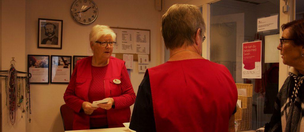 Ulla Bergman på Kupan, Röda Korsets second hand butik.
