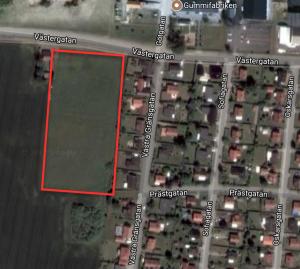 """Det rödmarkerade området är """"Etapp 1"""" av Västeräng. Till höger syns Västra Gränsgatan, där Paul Hansson och hans familj bor."""