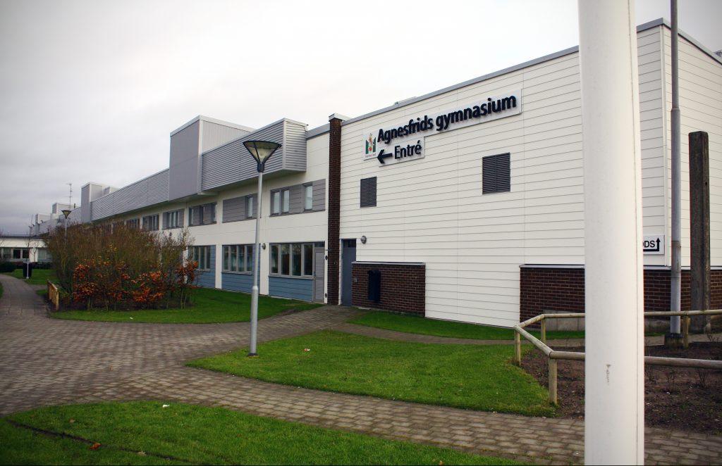 Agnefrids gymnasium ligger i området Yttre Fosie i Malmö.