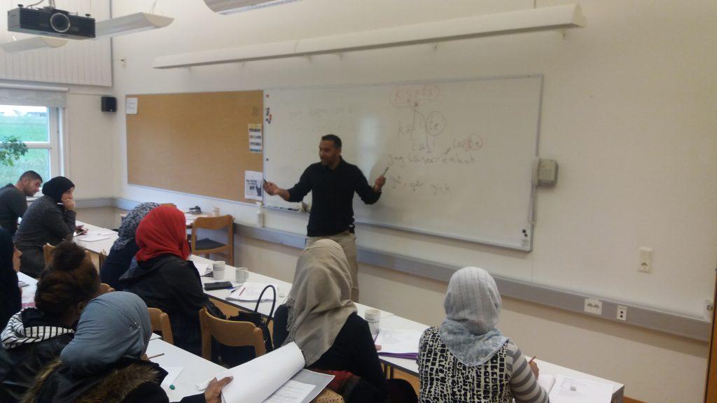 Mustafa Al Abdullh är både lärare och elev på Skurups folkhögskola.
