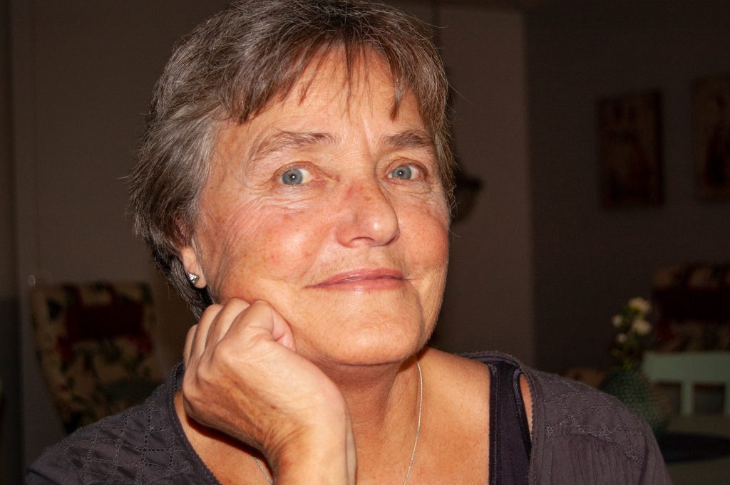 Gerd Östling upplever att äldreomsorgen har blivit mer värdig. Foto: Pia-Marie Wehrling