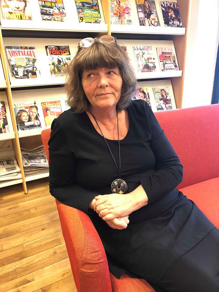 Kerstin Wester tycker litteraturen kan vara ett verktyg för att uppleva andras historier. FOTO: Max Holmgren