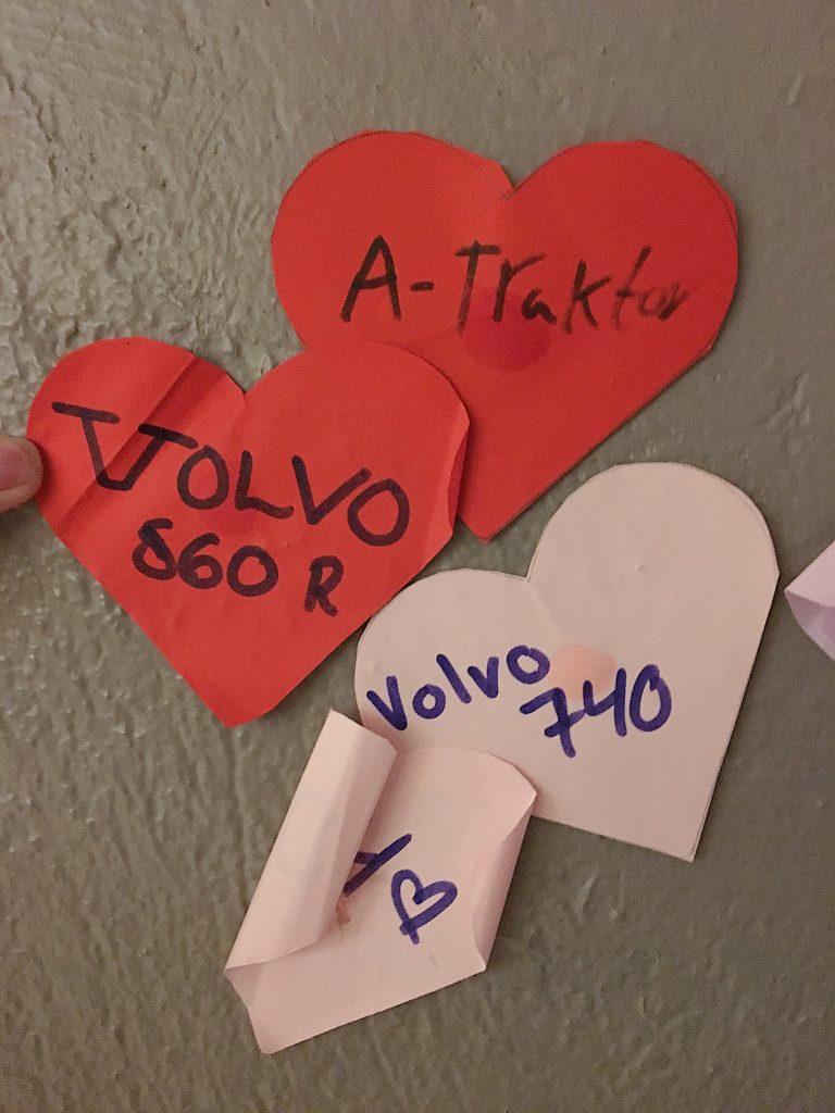 På fritidsgården har ungdomarna skrivit lappar. FOTO: Nellie Erberth