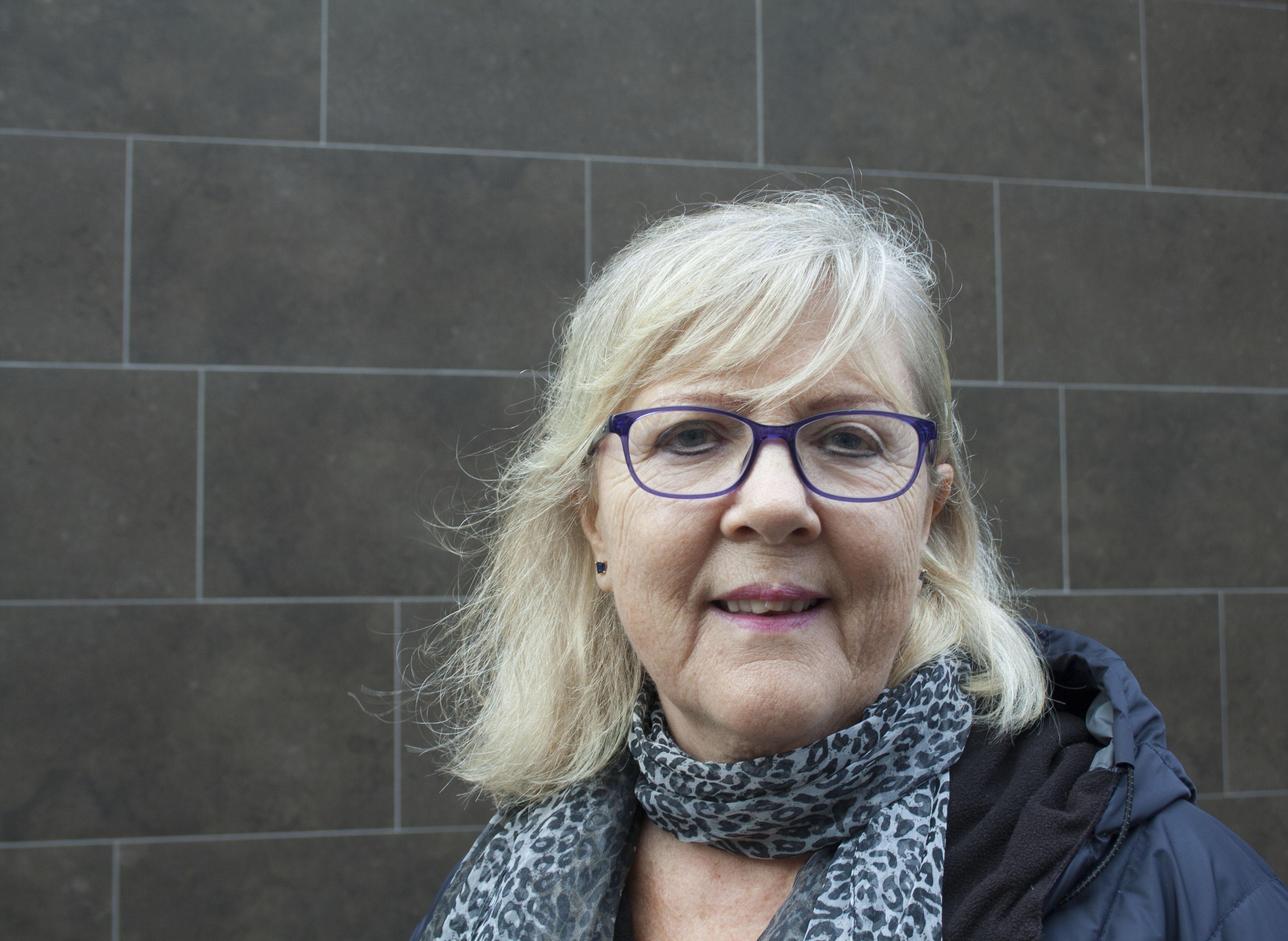 Namn: Grazyna Nilsson Ålder: 69 – Jag tycker Socialdemokraterna har gjort många framsteg och tänker på sina medborgare.