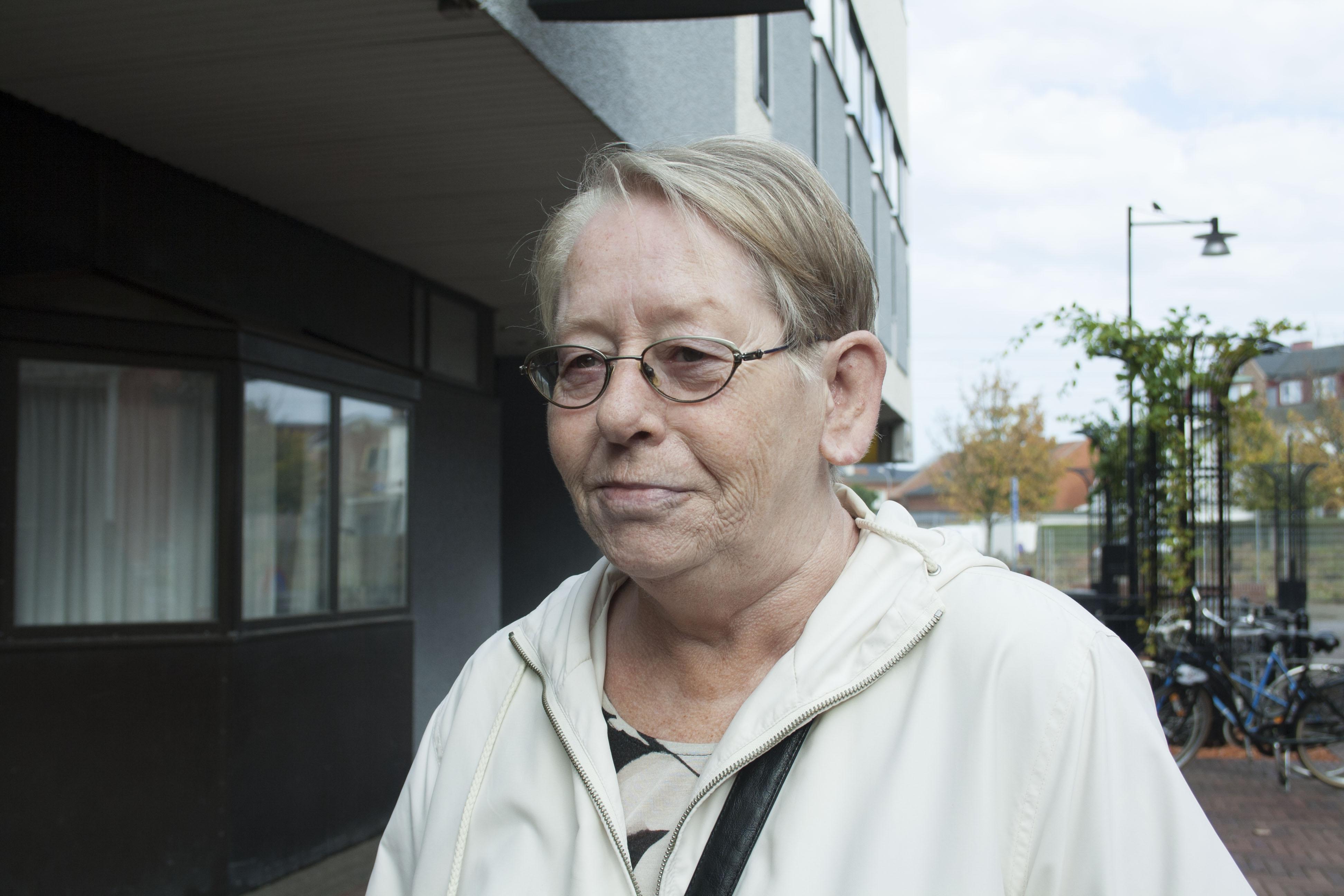 Namn: Lykke Kristensen Ålder: 66 – Helt ärligt vet jag inte, det är samma skit. Det gör som de vill ändå.