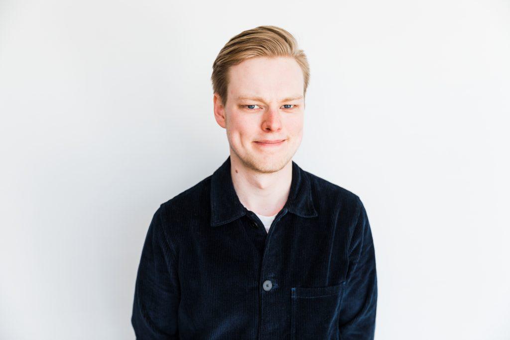 Skurupspostens krönikör Ludvig Samuelsson vill se en sponsrofri och enbart skattefinansierad Melodifestival.