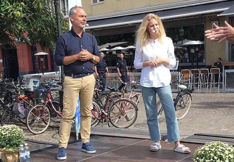 Liberalernas Jan Björklund med Frida Jansson ordförande för LUF.