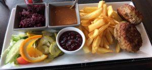 Pannbiff med pommes. Foto: Mattias Nilsson