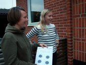 Zandra och Iza Svensson är två av Trunnerups Skytteförenings medlemmar som nu påverkas av att klubbens lokal inte går att använda.
