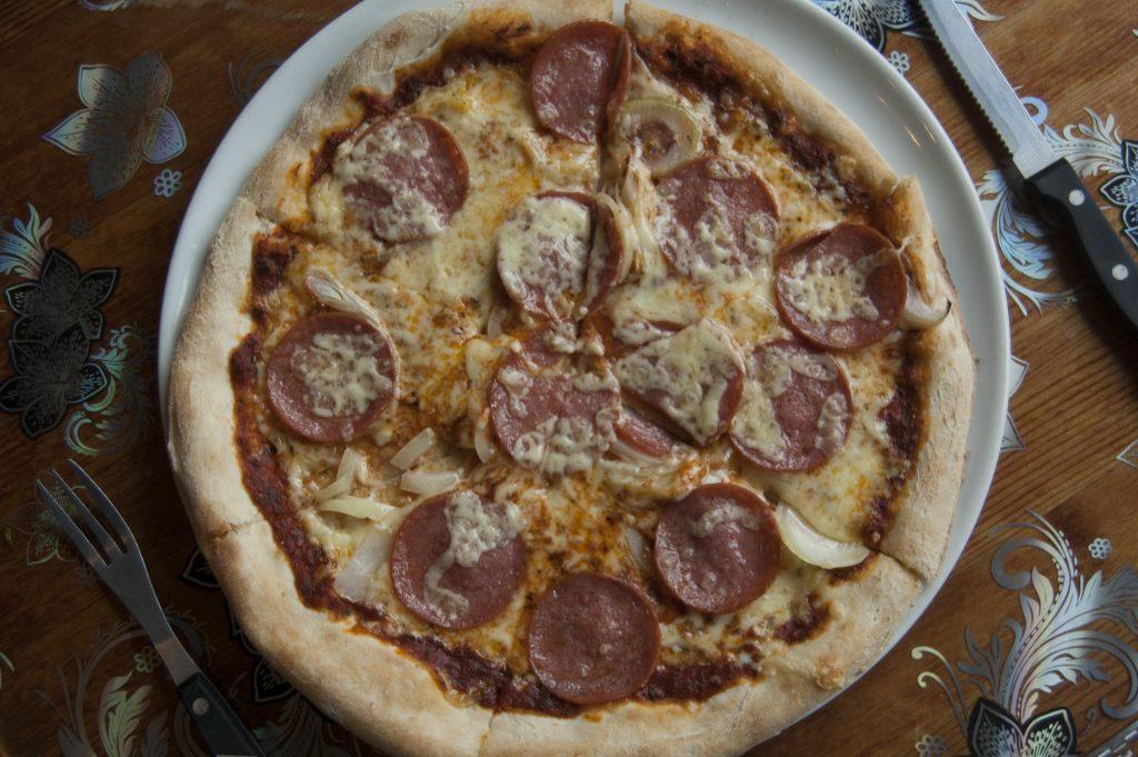 Få pizzerior lyckas med att göra en så god botten som Pirri Pirri, men restaurangen har andra problem.