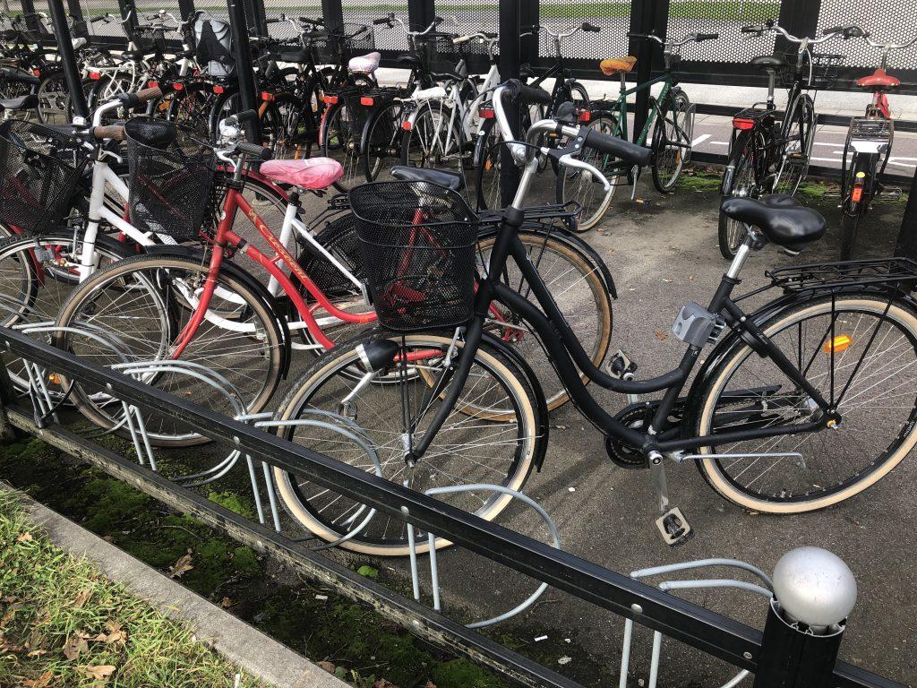 Nuvarande cykelställ vid Skurups tågstation