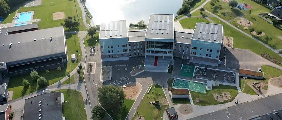Prästamosseskolan i Skurup har utsatts för hot kopplade till kommunens nya slöjförbud.