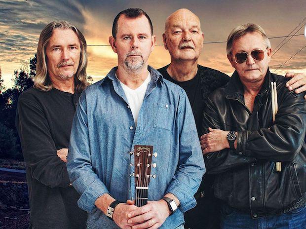 Coverbandet Crazy Hearts spelar sedan i februari 2019 pop, rock och blues runt om i Skåne.