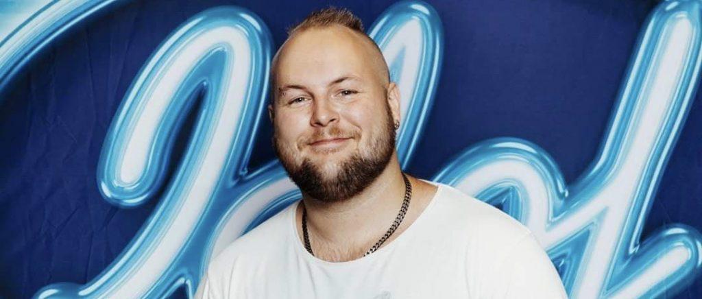 Mattias Nederman åkte ut i den fjärde fredagsfinalen av Idol.