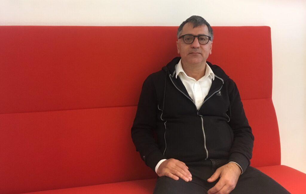 Babak Ramiri vill dra sitt strå till stacken för att minska arbetslösheten i Skurup.