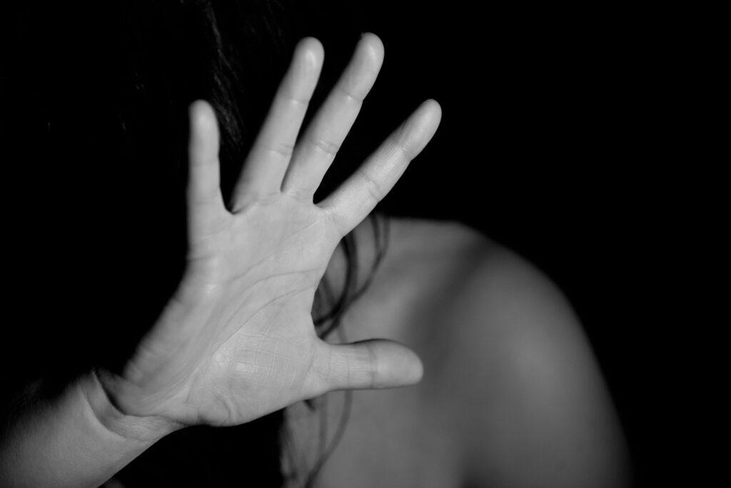 Vart femte anmält misshandelsbrott 2019 rörde misshandel av en nuvarande eller före detta partner, BRÅ 2020. Foto: Pixabay.