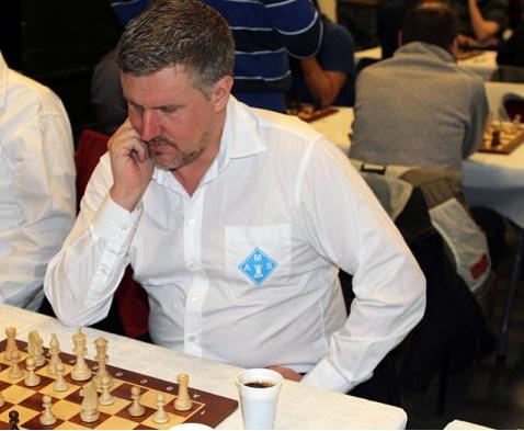 Foto: Privat | Roger Christoph Magnusson har koll på pjäserna. Han har bland annat vunnit Malmömästerskapen i blixtschack två gånger.