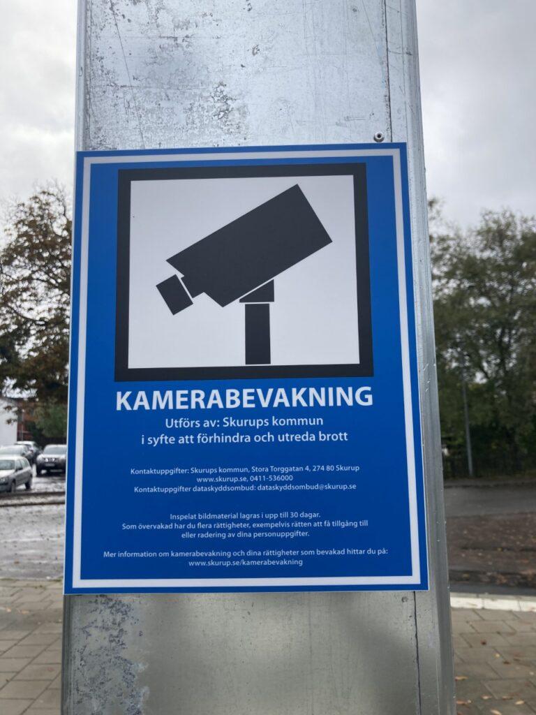 Kommunen beslutade redan 2017 att införa kameraövervakning på tågstationen. Nu är de slutligen på plats.