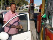 Just nu kostar diesel 19.17 kronor och bensin 17.69 kronor.
